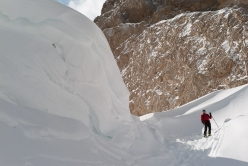 Ski mountaineering in the Dolomites: just below the Dente del Sassolungo col