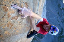Iker Pou su Orbayu 8c+/9a on Naranjo de Bulnes, Spain