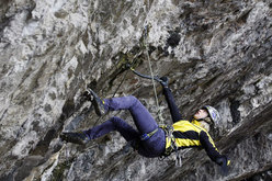 "Angelika Rainer nella grotta di ""Quai"", Iseo."