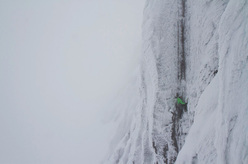 Ines Papert climbing Stirling Bridge VI,7 on Aonach Mor, Scotland