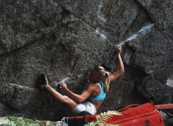 Bouldering in Valle dell'Orco: