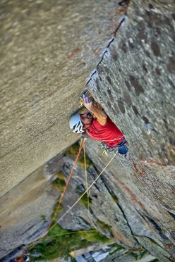 Jacopo Larcher, belayed by Paolo Marazzi, making the first free ascent of Così parlò Zarathustra, Vallone di Sea, Italy