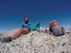 Zorbey Aktuyun and Muammer Yalcın on the summit after having repeated 'Nessuno', Vay Vay, Aladaglar, Turkey