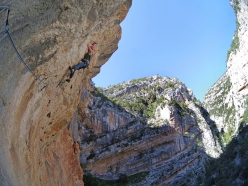 Luca Giupponi in action during the first ascent of Unchinos (8b, 185 m) Sardinia, carried out with Maurizio Oviglia