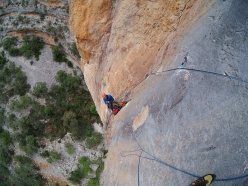 During the first ascent of Unchinos (8b, 185 m, Luca Giupponi, Maurizio Oviglia) Sardinia