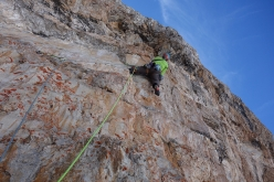Spes Ultima Dea, Crozzon di Brenta: Gianni Canale starting up pitch 16