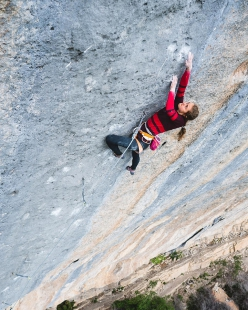 margo hayes first female ascent of biographie 9a at céüse