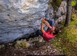 Due Due Cortina Srl.Bouldering At Cortina In The Dolomites