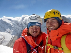 Shivling Shiva's Ice: Simon Gietl and Vittorio Messini overjoyed on the summit on 11/10/2017