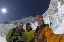 Simon & Samuel Anthamatten, together with Michi Lerjen during their ascent of Jasemba.