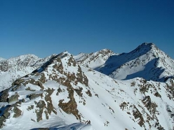 Ski mountaineering in Val Senales: Punta Vermoi on the right