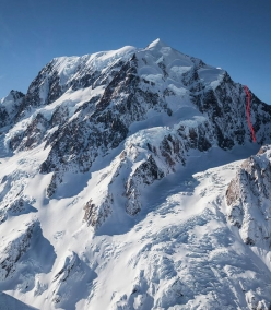 The South face of Aoraki / Mt Cook and the line of Remembrance, first ascended solo on 18/11/2017 by Ben Dare