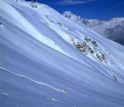 Offpiste skiing at Les Arcs in France