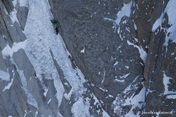 Ueli Steck soloing the Ginat route, Les Droites.