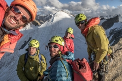 Michi Groher, Thomas Holler, Timo Moser, Barbara Vigl and Lorin Etzel at the end of day 1 during their ascent of Cerro Zanskar
