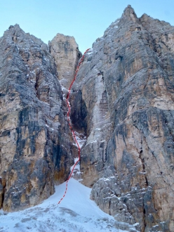 The ice climb up Pizza Longata in Val de Mesdì, Sella, Dolomites, climbed in December 2016 by Simon Gietl and Andrea Oberbacher