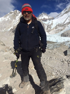Domenico Perri verso il Campo Base dell'Everest