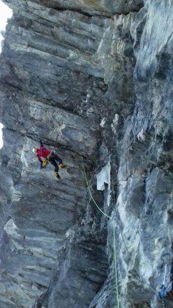 Simon Chatalan climbing the first pitch of Loch, Keile et compagnie, Oeschinenwald, Kandersteg Switzerland