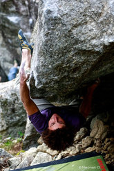 Cody Roth climbing 'Rastabilimento'