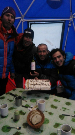 Los Picos 6500: double party: birthday celebration of Franco Nicolini and, on the same day, Aconcagua summit with Tomas Franchini, Silvestro Franchini and Michele Leonardi