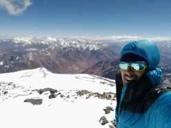 Los Picos 6500: Michele Leonardi on the summit of Vulcan Tupungato 6570 m