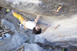 Sachi Amma climbing the crux of Japan's first 9b, Soul Mate at Gozen Rock