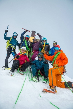 Red Bull Der Lange Weg: Tamara Lunger, Núria Picas, Janelle Smiley, Mark Smiley, David Wallmann, Philipp Reiter and Bernhard Hug on 26/03/2018 on the summit of Großglockner, the highest mountain in Austria, together with event organiser Heli Putz