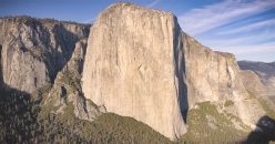 El Capitan, Yosemite. On 21/10/2017 Brad Gobright and Jim Reynolds climbed The Nose in 2:19:44, setting a new speed record