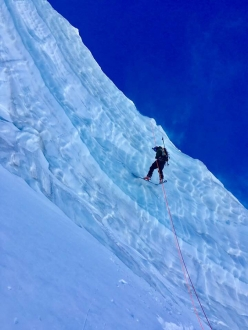 Triolet North Face: Jonathan Charlet abseiling down the serac