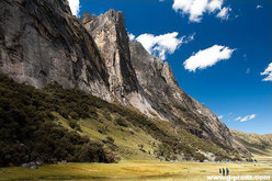Nevado Shaqsha (5703m, Huantsàn, Cordigliera Blanca, Perù)