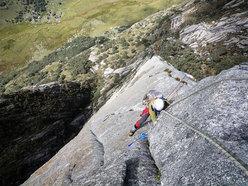 """Secondo giorno di scalata su """"El sueño de los excluidos"""" Nevado Shaqsha (5703m, massiccio dello Huantsàn, Cordigliera Blanca, Perù)"""