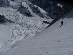 Ski descent by Luca Rolli and Francesco Civra Dano 04/06/2010.