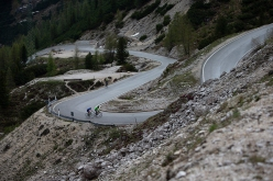 Simon Gietl & Vittorio Messini cycling to the Tre Cime di Lavaredo