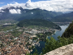 Trekking Lake Garda: view onto the lake from Monte Brione