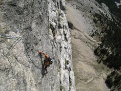 Evaristo Rizzotto sul quinto tiro della Roberta 83, Dolomiti.