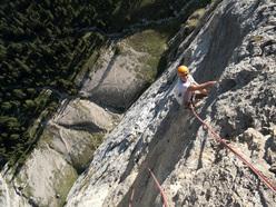 Renato Bernard climbing Baci da Honolulu + Al.Fa, Dolomites