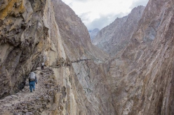 Tagas Valley, Karakorum: the 2-day approach