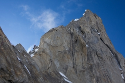 Thagas Valley, Karakorum: Carlitos Molina negotiating wind and mixed terrain on the ridge of Pathani