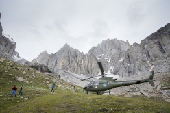Thagas Valley, Karakorum: relieve to see that the Pakistani helicopter rescue works well in Pakistan, but sad to see Mathieu leaving the expedition early.