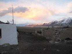 Chlap e il Lago Chaqmaqtin sullo sfondo