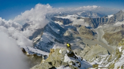 François Cazzanelli descending the Lion ridge during the ascent of the four Matterhorn ridges on 12/09/2018 with Andreas Steindl
