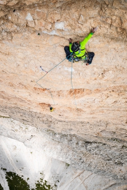 Simon Gietl making the first ascent, solo, of Can you hear me?, Cima Scotoni, Dolomites