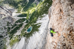 Simon Gietl climbing his Can you hear me?, Cima Scotoni, Dolomiti