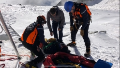 Toula glacier accident (Mont Blanc): first aid before being flown to hospital
