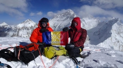 Pumori SE Face: Romeo Popa and Teofil Vlad on the summit. Everest, Lhotse and Nuptse in the background