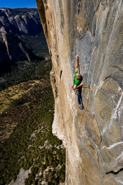 Sonnie Trotter freeing the North America Wall variation on El Capitan