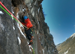 Mark Oberlechner making the first ascent of Utopia, Rein in Taufers