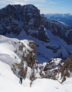 Making the first ski descent of the South Face of Cima Mandron in the Brenta Dolomites (Luca Dallavalle, Roberto Dallavalle 16/02/2019)