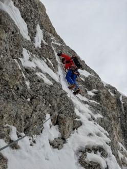 The start of the last mixed pitch of  Via degli Allievi on Cimon della Pala, Pale di San Martino, Dolomites Giuseppe Vidoni, Gabriele Colomba 24/02/2019)