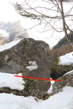 Val di Mello: the path on the left bank and some of the obstacles that would need to be removed in order to widen the path to the planned 1.20m